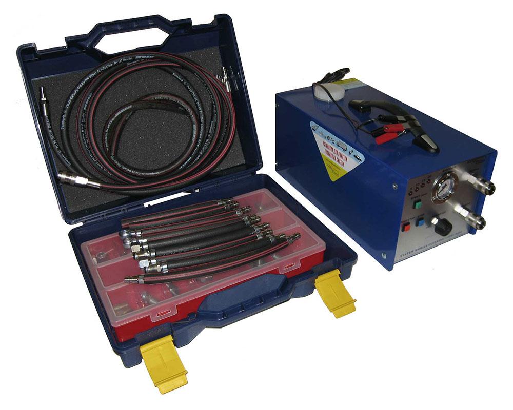 Компактная автоматическая 1-контурная установка, предназначенная для высококачественной промывки элементов топливных систем бензиновых и дизельных двигателей без демонтажа, непосредственно на работающем автомобиле.
