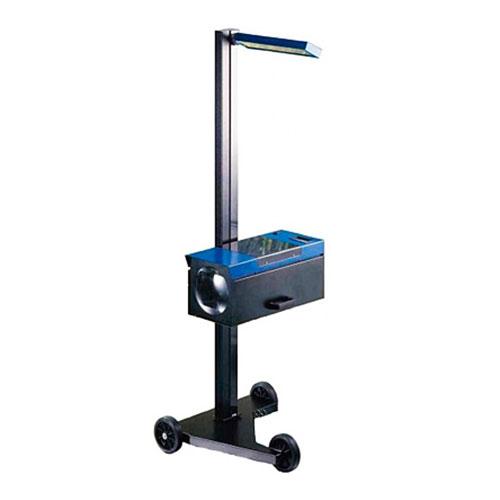 Оптико-механический прибор для проверки и регулировки света фар